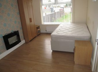 All Bills Included, Large Double Room with Ample Off Road Parking
