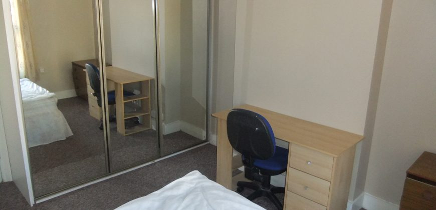 5 Double Bedroom 2 Bath House, Ideal for Students