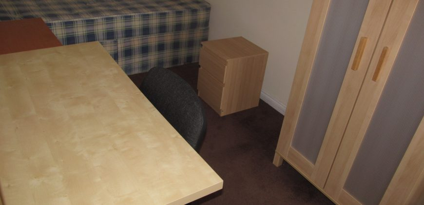 Spacious Superior 6 Double Bedroom 2 Bath House, Ideal for Students