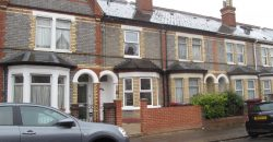Refurbished Spacious 4 Double Bed House, Spare Attic Room