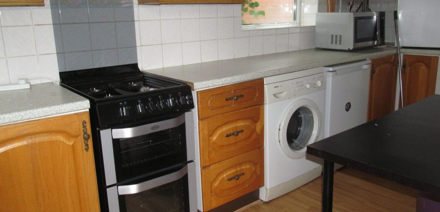 4 Double Bed Semi Detached House, GCH, Garden, Off Road Parking, SOUGHT AFTER LOCATION