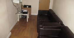 Upmarket, Modern, 2 Bath 6 Double Bed Semi, Lounge and Dining Room, Driveway Parking