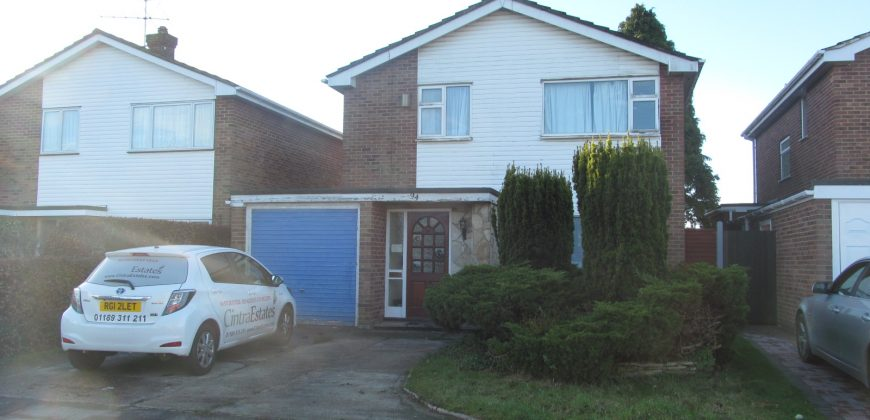 Large 6 Double Bed 2 Bath Detached House, Spare 7th Room, Ample Parking