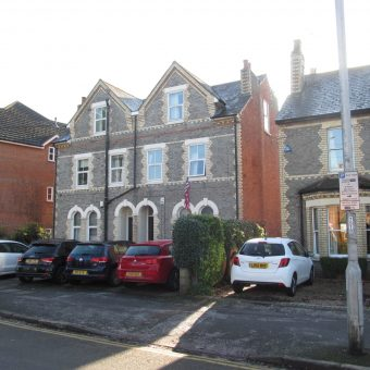 Spacious, Upmarket, 7 Double Bed 2 Bath House, Driveway Parking, In the Key Student Area