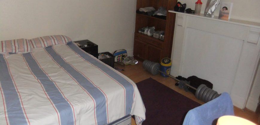 Spacious 7 Double Bed, 3 Bath House, Excellent Condition, Off Road Parking for 4 Cars, Ideal for Students
