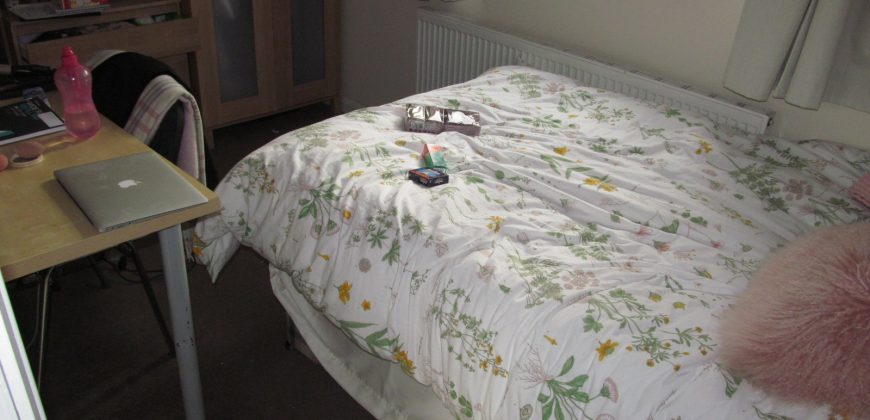 Newly Refurbished, Spacious Superior 6 Double Bed 2 Bath House