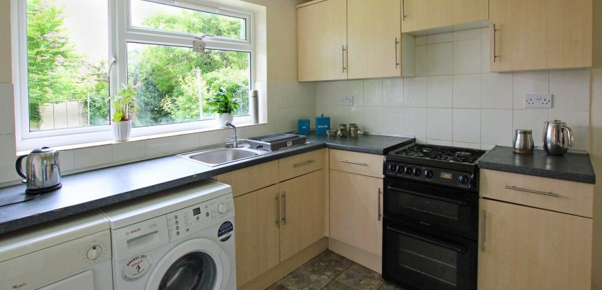 6 Bed, 2 Bath Semi Detached House, Off Road Parking, ON THE EDGE OF CAMPUS