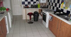 Great Value, 5 Double Bedroom House, Massive Open Plan Lounge / Kitchen / Diner