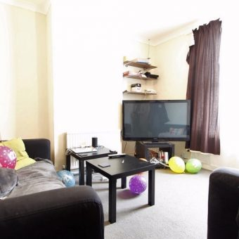 Upmarket 4 Double Bedroom Student House, GCH, Garden, Walking Distance to University