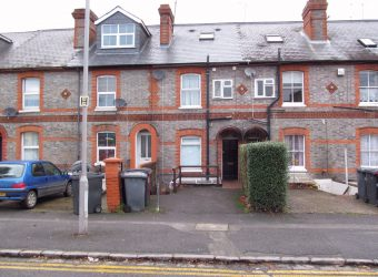 5 Bed, 2 Bath SUPERIOR Student House, Lounge, Garden, Off Road Parking, SOUGHT AFTER LOCATION