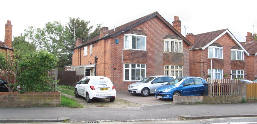 5 Double Bed 2 Bath SUPERIOR Semi Detached Student House, Off Road Parking, SOUGHT AFTER LOCATION