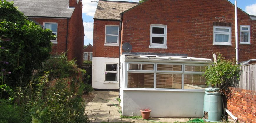 6 Double Bed 2 Bath Semi Detached House, Off Road Parking, Lounge, Conservatory, Rear Garden