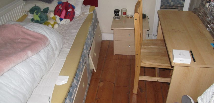 Upmarket 4 Bedroom House Ideal for Hospital and University