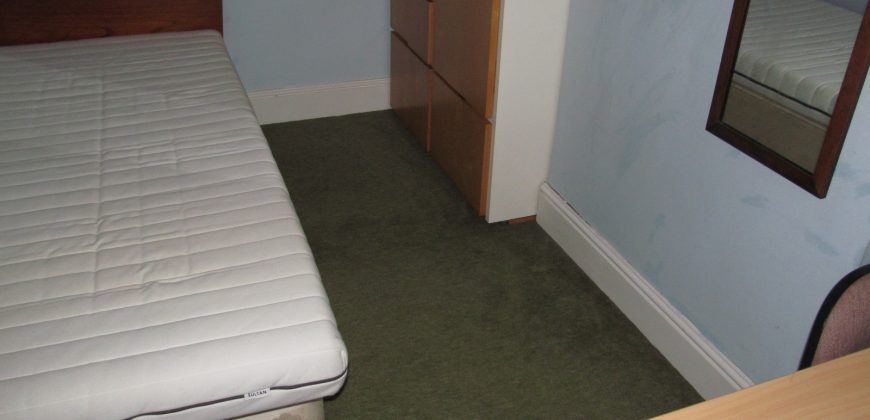 Great Value 4 Bed 2 Bath House, Award Wining Landlord, Ideal to be Between Town and University