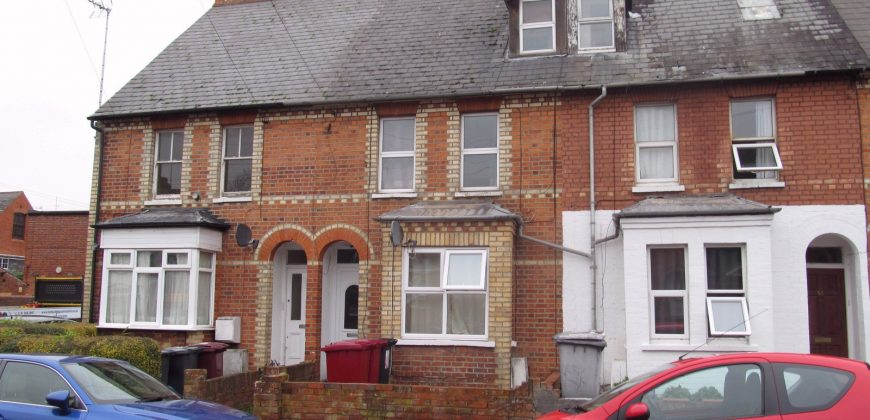 Upmarket Spacious Superior 5 Double Bed 2 Bath House, Large Communal Areas