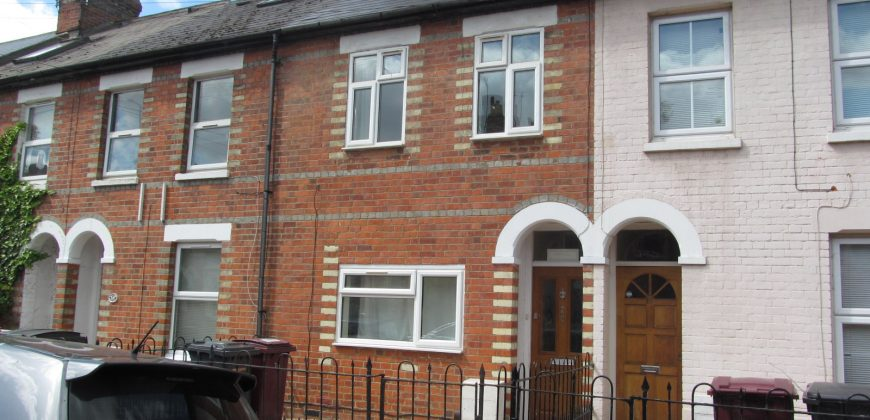 Upmarket Refurbished, Renovated Spacious 6 Double Bed 3 Bath House, Newly Furnished to a High Standard