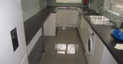 Upmarket 4 Bath 6 Double Bedroom House, New Kitchen and Lounge