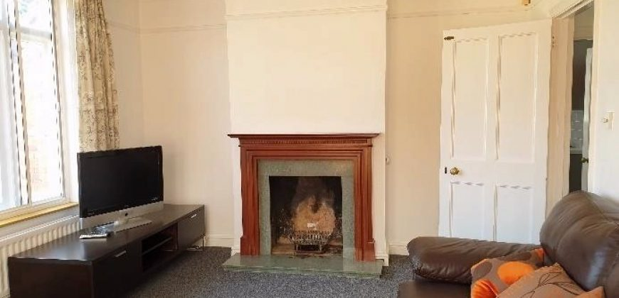 NEW Refurbishment 6 Double Bed 3 Bath Detached House, Opposite University, Off Road Parking