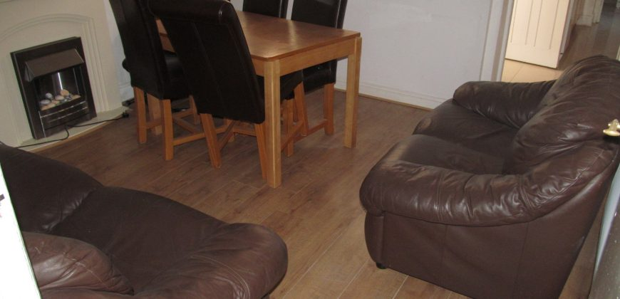All Bills Included, Large Double Room in a Spacious House, Ideal for Town and Hospital