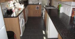 Recently Refurbished UpMarket Spacious 2 Bath 4 Double Bed House