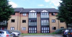 Spacious Modern 1 Double Bedroom En Suite Flat, Separate WC, Off Road Parking
