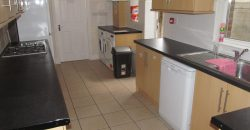 Recently Refurbished, Spacious Superior 6 Double Bed 3 Bath House