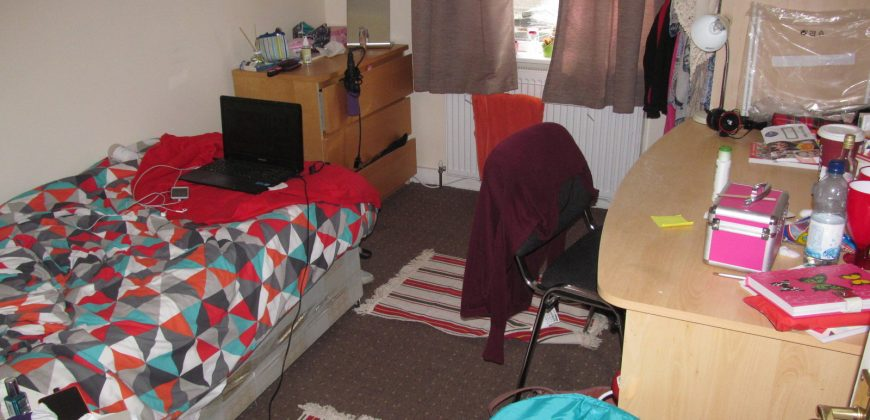 Recently Refurbished, Spacious Superior 7 Double Bed 2 Bath House