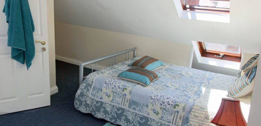 5 Double Bed 2 Bath Great Value Student House, Garden