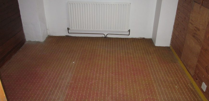 Great Value 4 Double Bed House, Extra Study / Storage / Guest Room