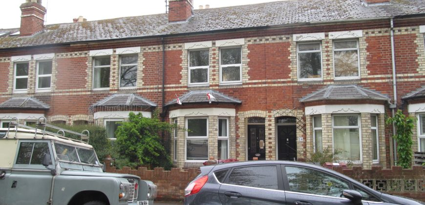 Recently Refurbished, Spacious 4 Double Bedroom House, Parkside Location