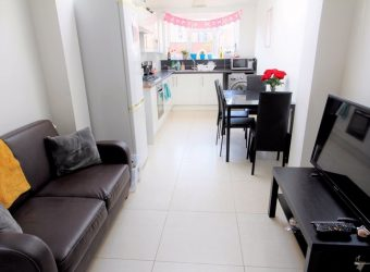 NEW Spacious AMAZING Quality 5 Double Bed 2 Bath Student House