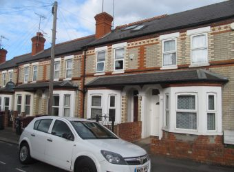 Upmarket, Spacious Superior 6 Double Bed 2 Bath House, Large Communal Area