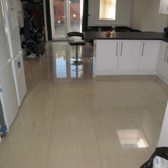 Just Refurbished Superior Spacious 3 Bath 6 Bed House, Furnished to a High Standard